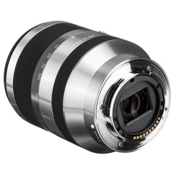 Sony E 18-200mm F3.5-6.3 OSS Silver