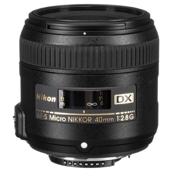 Nikon AF-S DX 40mm F2.8G Micro